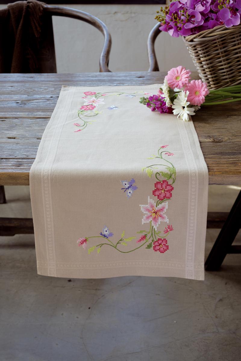 chemin de table fleurs roses avec papillon - borduurpakketten belgië